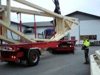 Kraning-og-transport-av-takstoler-for-Olav-Askjer-Kran-og-Transport-AS